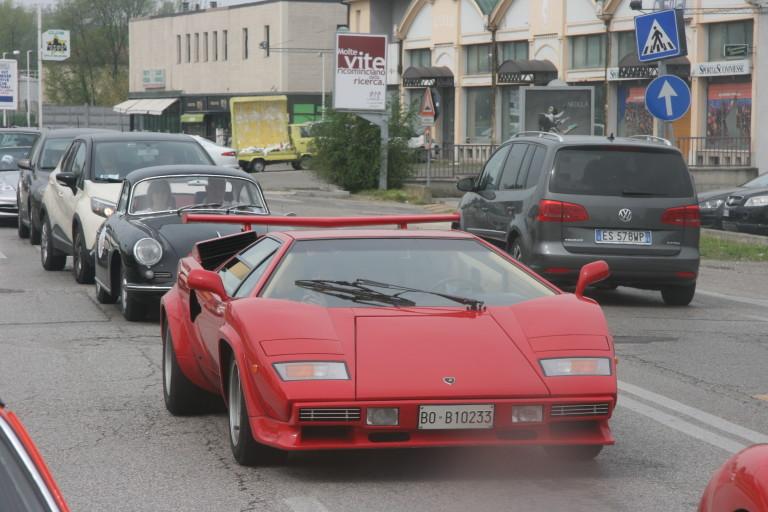 Lamborghini Countach 5000 lungo il tragitto Valli e Nebbie